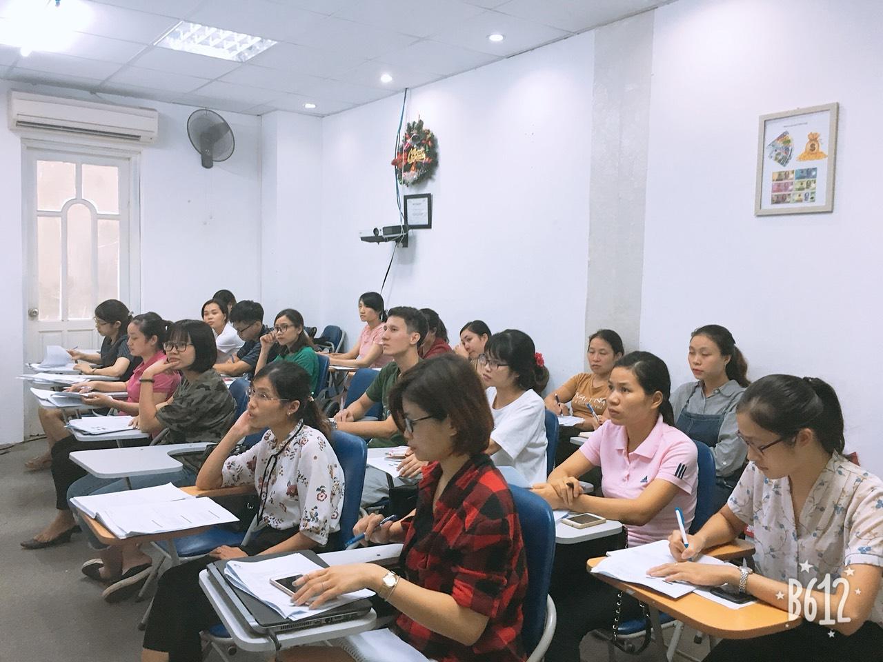 Khóa học đào tạo nghiệp vụ xuất nhập khẩu tư vấn thủ tục hải quan cho doanh nghiệp tại VinaTrain
