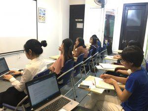 Khóa học hành chính nhấn sự chuyên nghiệp tại VinaTrain