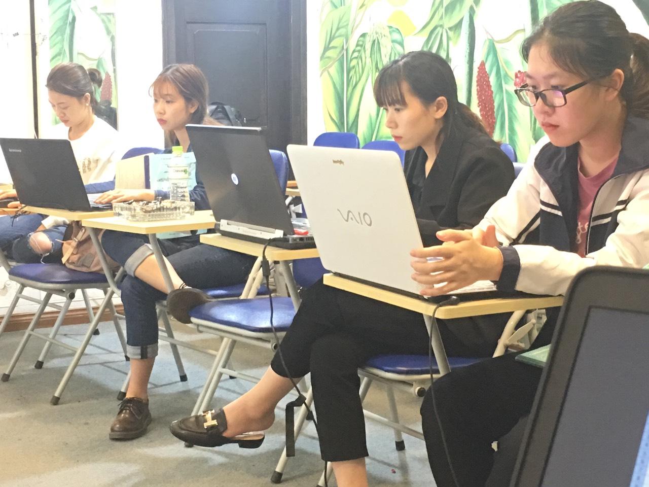 VinaTrain có mở những khóa học kèm Xuất Nhập Khẩu Số Lượng Học Viên dưới 6 người