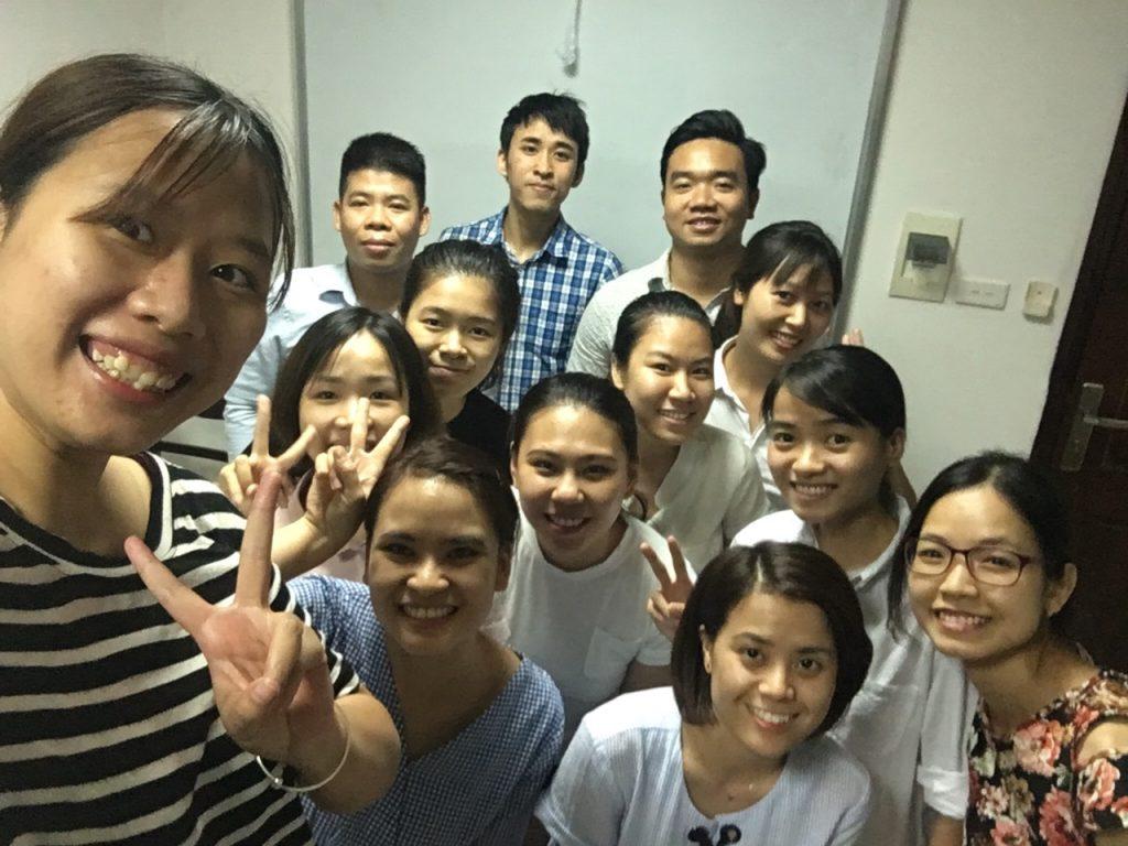 review khóa học xuất nhập khẩu tại vinatrain