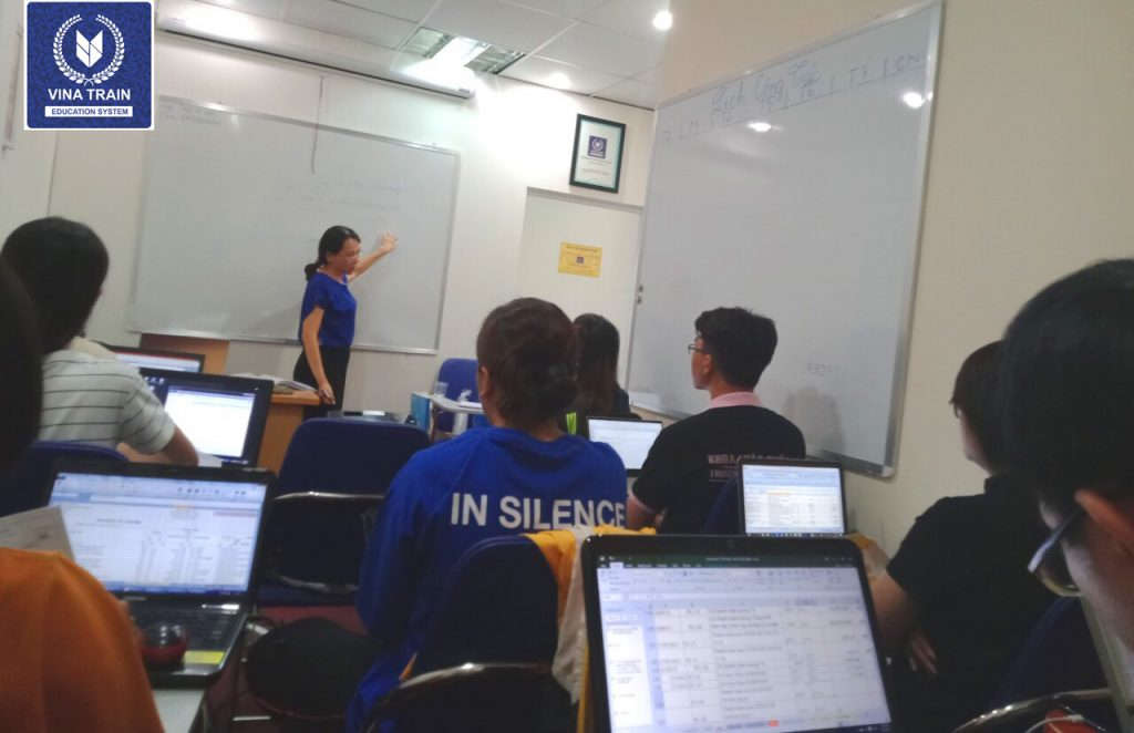 Lớp học kế toán tổng hợp thực hành
