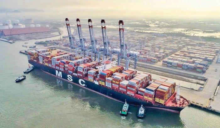Mainfest được khai trước ngày con tàu đầu tiên cập cảng nhập khẩu tối thiểu 12h