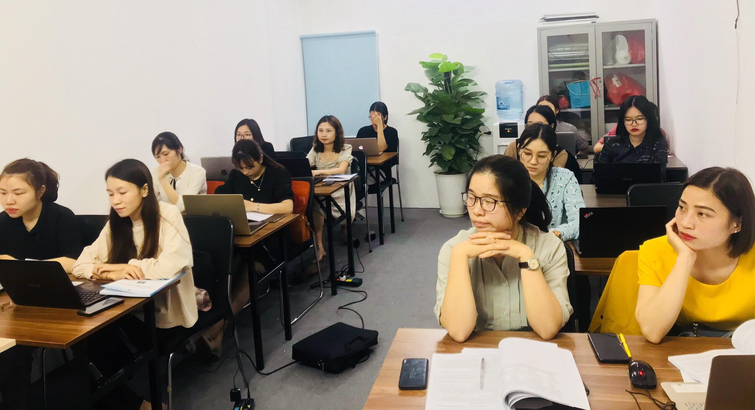 Lớp tin học văn phòng cơ bẳn tại VinaTrain chi nhánh Hà Nội
