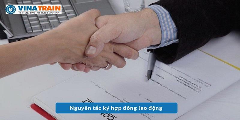 Nguyen-tac-ky-hop-dong-lao-dong